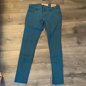 Hollister brand new never worn jeans